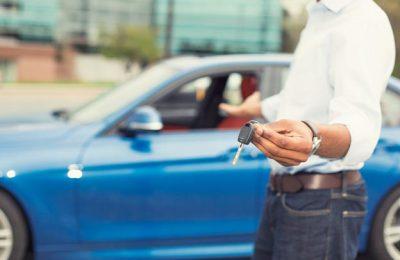 Automobiliai išsimokėtinai – galimybė akimirksniu persėsti už nuosavo automobilio vairo