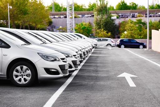 Automobilių pardavimo aikštelė
